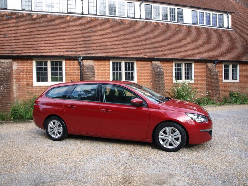 View PEUGEOT 308 BLUE HDI S-S SW ACTIVE ESTATE